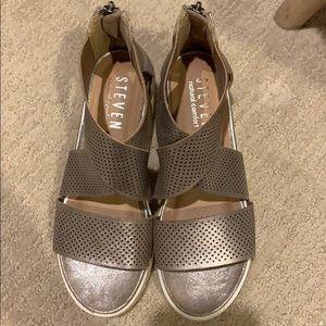 Steven sandal size 6.5